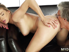 New daddy and girl screams Victoria and her boycrony