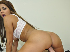 Curvy Latina girlfriend fucked after proposal