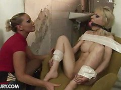 Isabell Cat gets punished