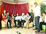Orgy with blowjobs from dudes