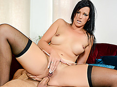 HITZEFREI Sina Velvet has her tight ass sexy