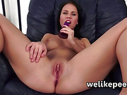 Squirting masturbation for Denisa Sky