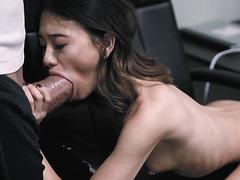 Jasmine Grey challenges herself with a huge cock!