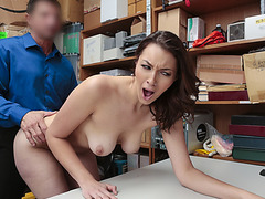 Suspect Bella wants Pussy ramming and creampie