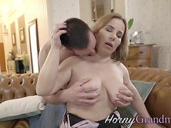 Cougar slut sucking and riding dick