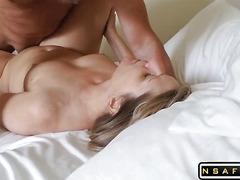 HOT mature milf reaching her climax