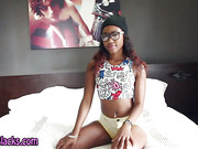 Sucking ebony teen slut
