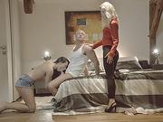 Umas stepmoms insane cock ssexys leads them to threesome sex