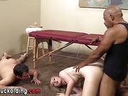 Cuckolding babe cumswaps