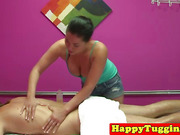 Real asian masseuse in naughty hj session
