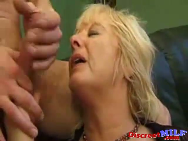 French milf pussy  squirting
