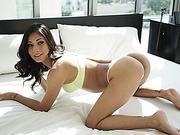 An amateur threesome sex on naughty Jade Jantzens virgin plump ass