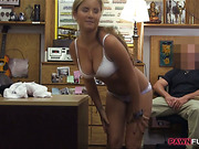 Hot waitress pussy screwed by pawnkeeper