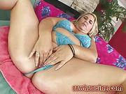 BBW fingering huge vagina lips