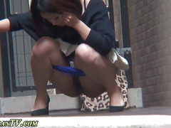 Sexy heeled asian pees