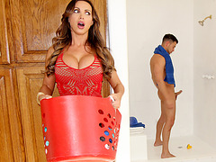 Nikki Benz sparks threesome with her stepdaughter and her bf