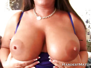Mature Fat Woman Gets Oral