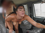 Girl without money found a best way to pay a two truck a ride!