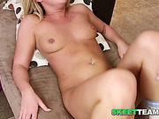 Teen slut gets her pussy licked