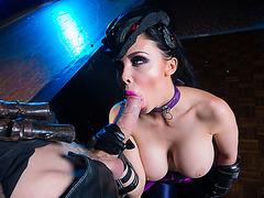 KELLI: Brunette sexy driver Audrey sucks Dannys cock deep