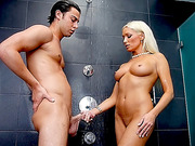 Sex in the shower with a MILF