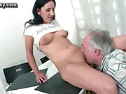 Babe gets pussy licked by old dude