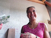 Euro amateur Agata gets persuaded to have public sex in exchange of cash
