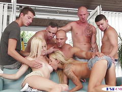 Muscular studs assfucked during bi orgy