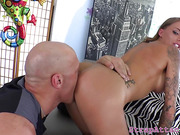 Bigtits domina pegs sub after pussylicking